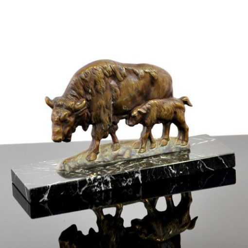VB13 - Buffalo -brons - marmeren voet