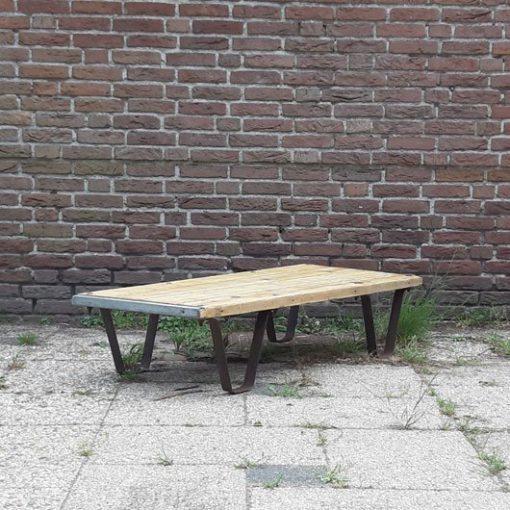 RH19 - Industrieel werktafel - bijzet tafel