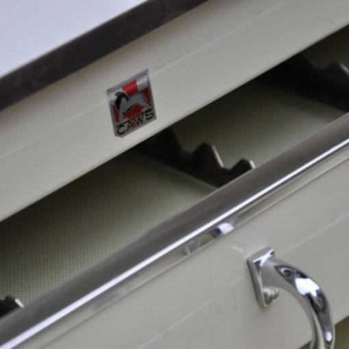SF24- Tandartskastje op wieltjes - 70's