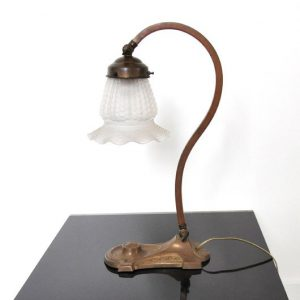 RM26 - Klassieke tafellamp antiek