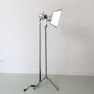 SG27 - Staande Studiolamp