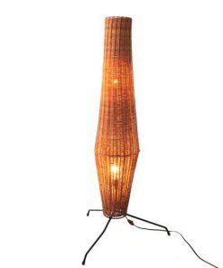 VD34 Staande rotan lamp