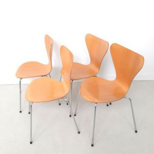 SH38 - Arne Jacobsen -Vlinderstoel - Series 7