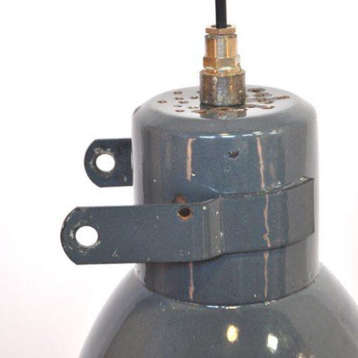 VC47 - IJzeren Geëmailleerde fabriekslamp VEWRKOCHT