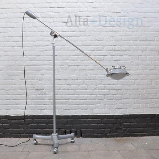Solere staande lamp op wieltjes